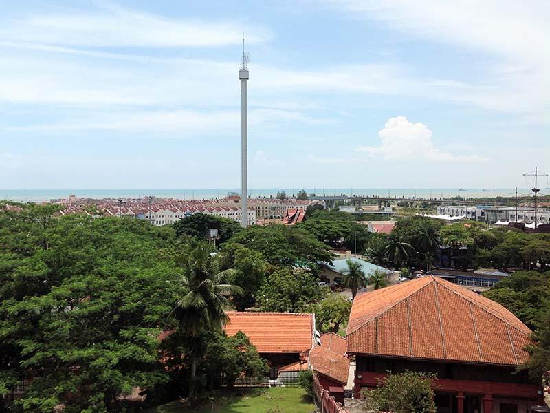 マラッカの町並みとマラッカタワー